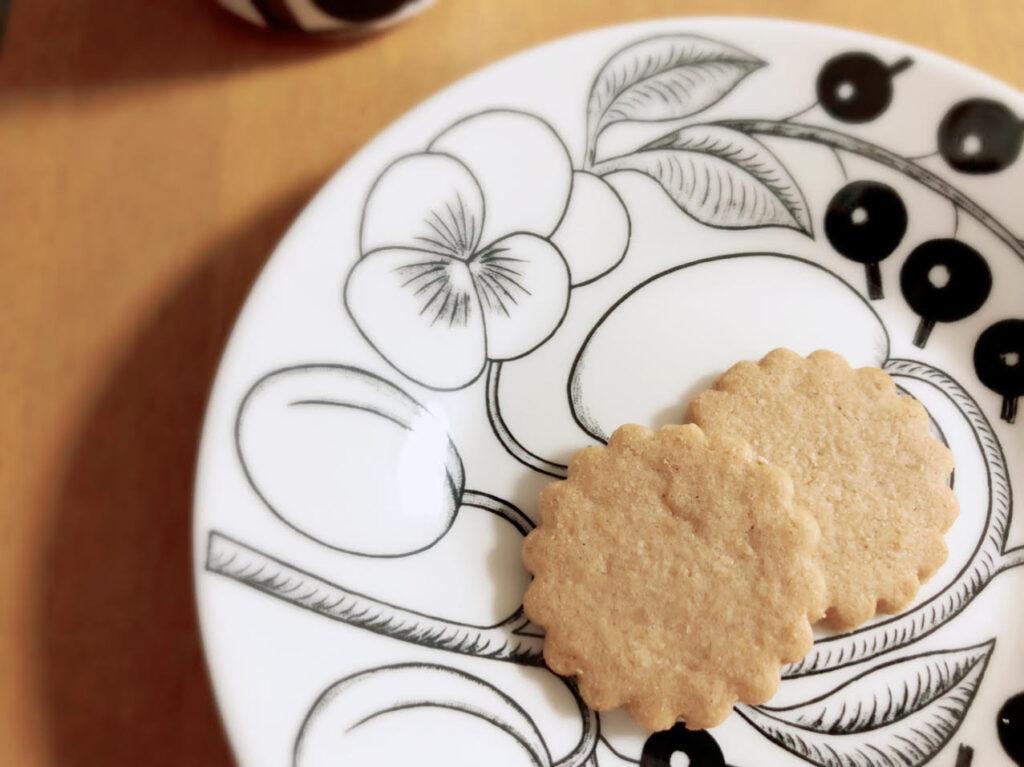 婦人画報 パティスリーコア クッキー缶
